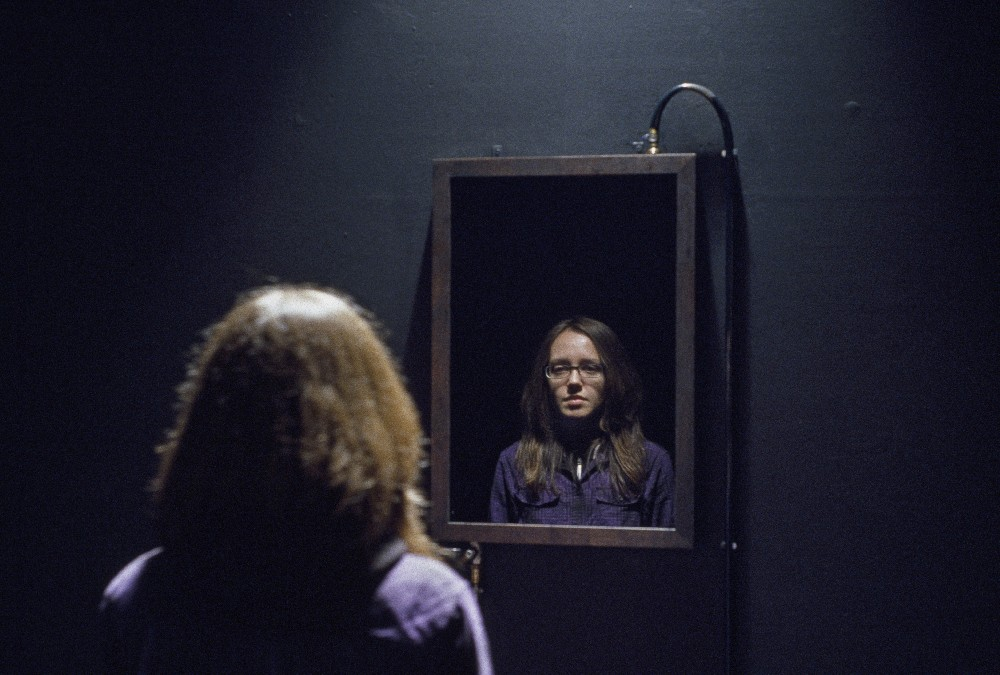 Reflecting Oil_Ausstellungsansicht-Detail_Peacock Visual Arts-Ernst Logar 2008