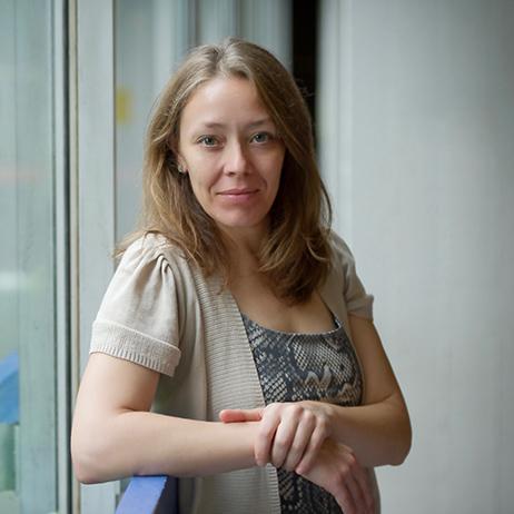 reflecting-oil-team-Amanda-Boetzkes
